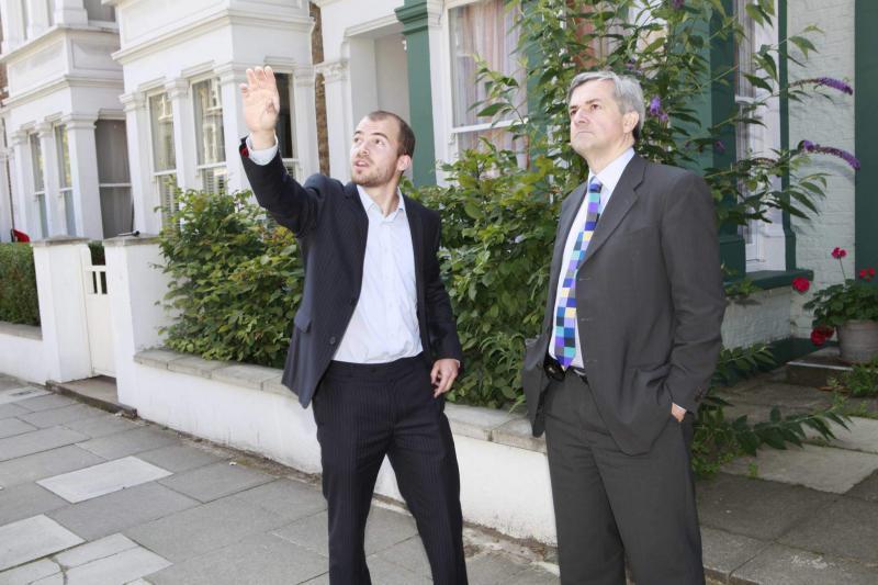 Chris Huhne visits Lena Gardens